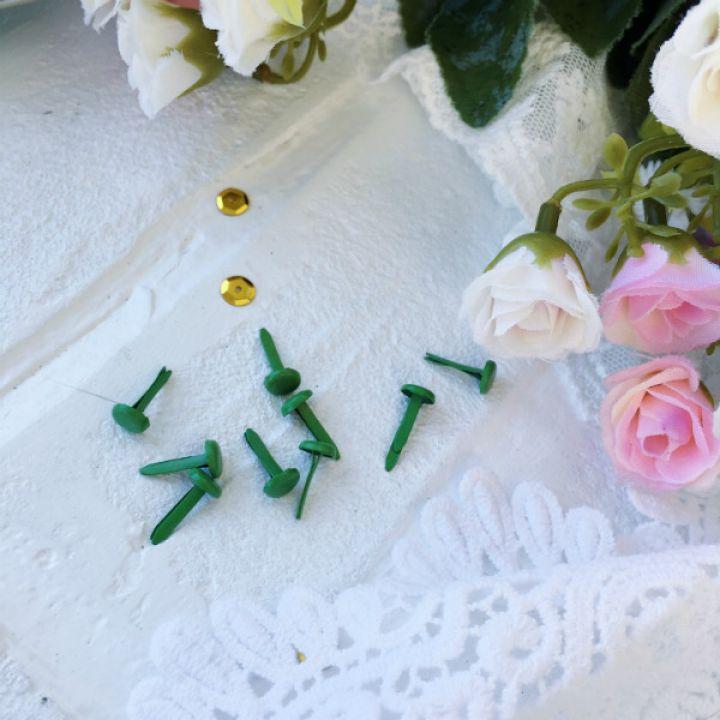 Брадс. Цвет зеленый 14*7 мм