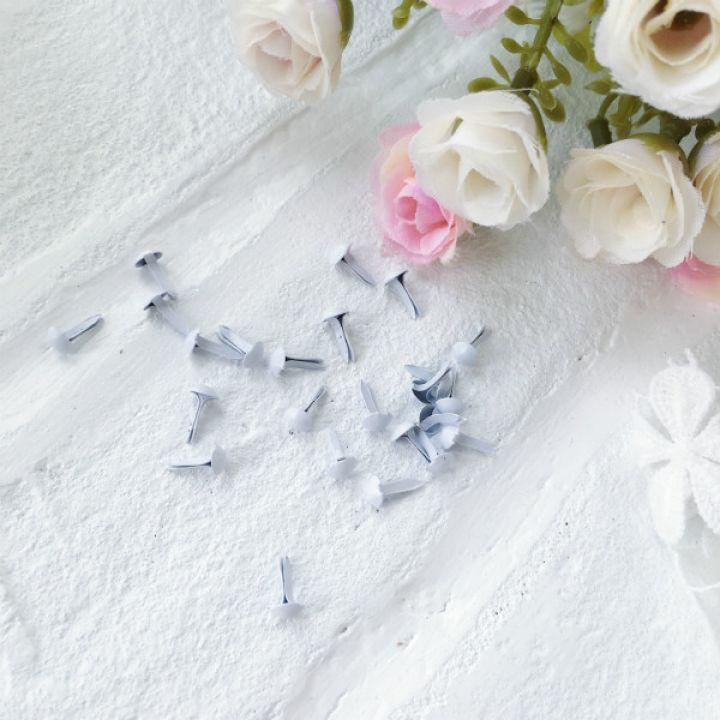 Брадс. Цвет белый 5 на 9 мм