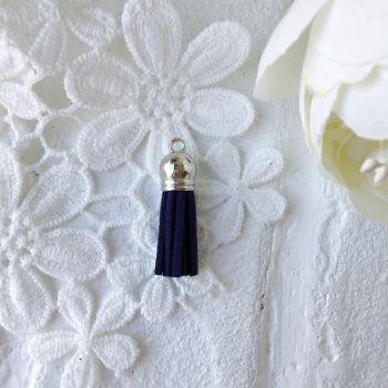 Замшевая кисточка 38 мм, цвет темно-синий/серебряный колп.