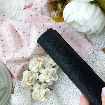 Кожзаменитель с тиснением под кожу, цвет черный  35*30 см