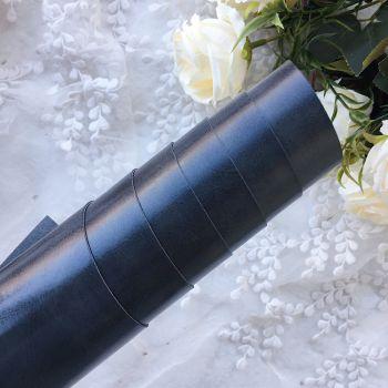 Глянцевый переплетный кожзаменитель, цвет графитовый 35*25 см