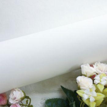 Матовый переплетный кожзаменитель, цвет белый  34.5*25 см