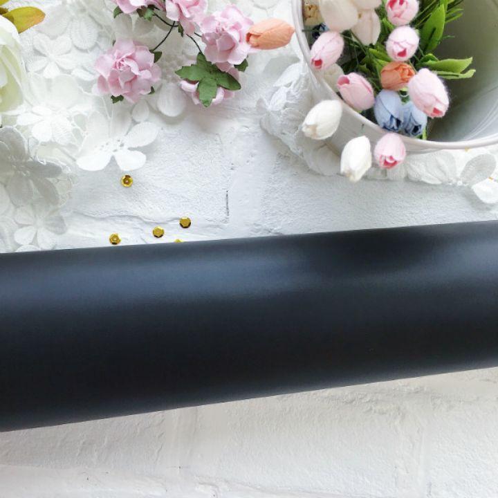 Матовый переплетный кожзаменитель, цвет черный 35*25 см